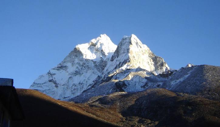 Amadablam Peak Expedition